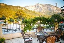 Кафе-ресторан с видом на горы