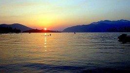 Закат на пляже Колардово