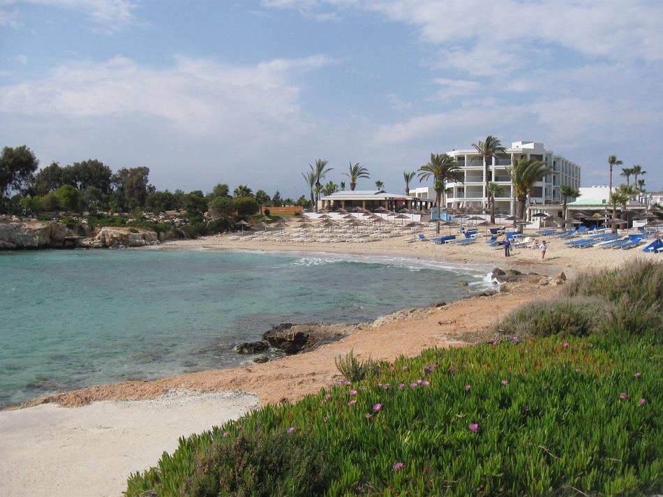 Свой пляж