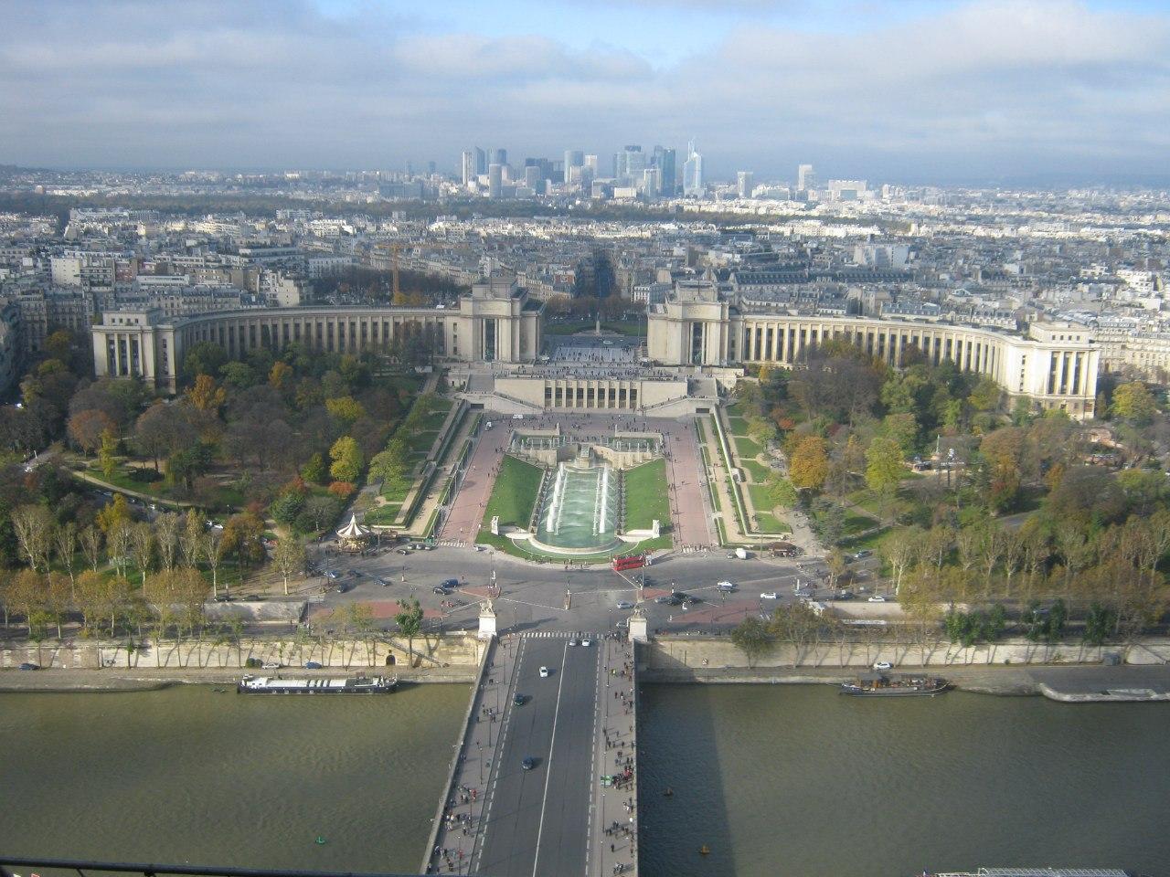 Вид с Эйфелевой башни в Париже