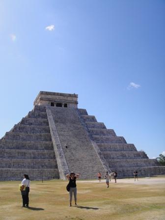 Среди пирамид можно и потеряться