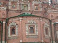 Отделка стен храма Троицы в Останкино
