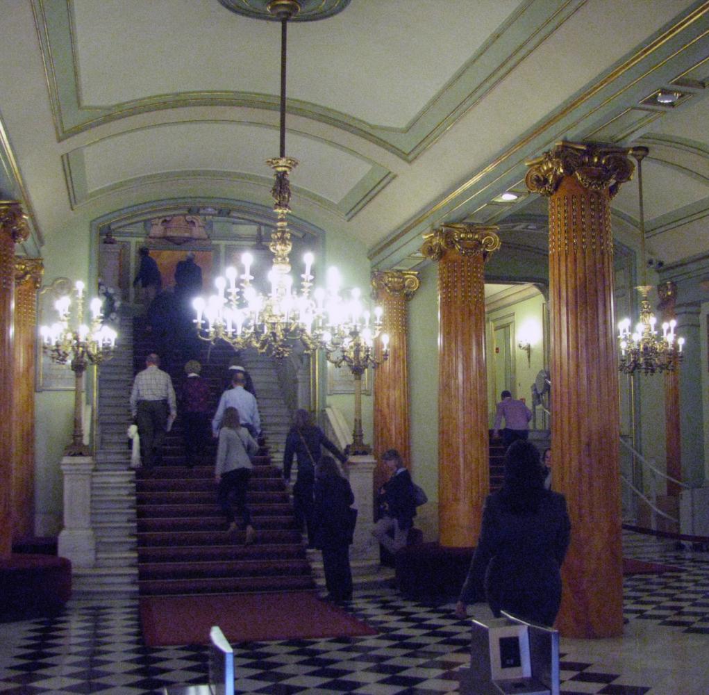 Оперный театр барселона афиша кино афиша в г новосибирске