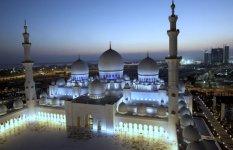 Мечеть шейха Зайда вечером