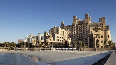 Отель Sheraton Sharjah Beach Resort & Spa 5*
