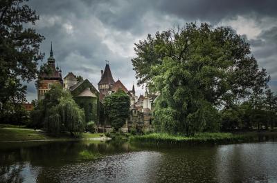 Вид на замок Вайдахуняд, Венгрия