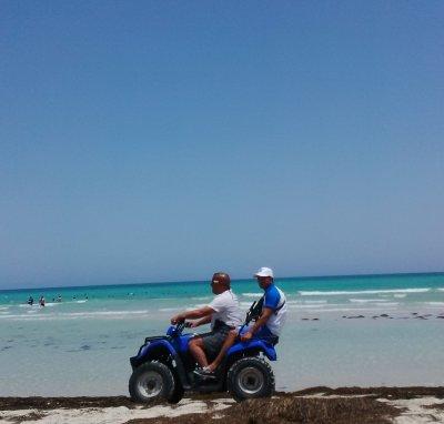 Police touristique на пляже