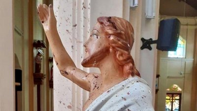 Фото из атакованной церкви на Шри-Ланке