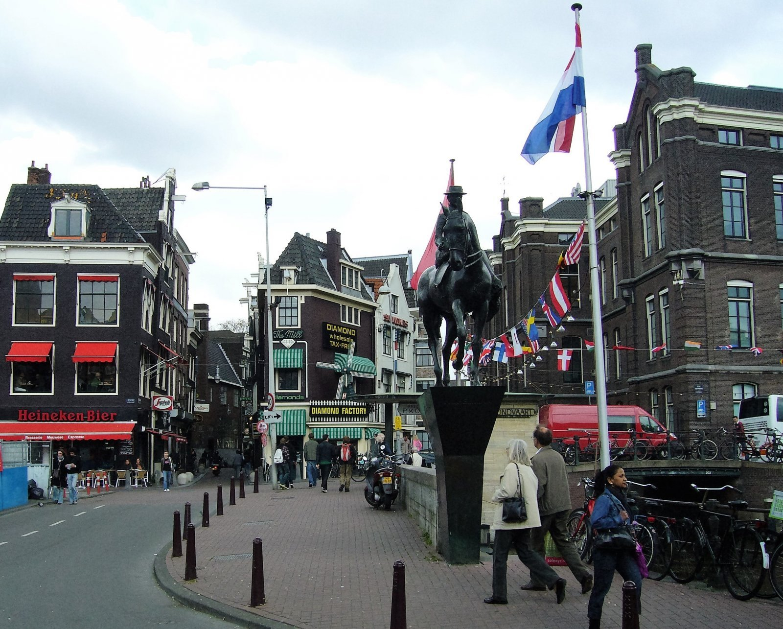 Пешеходная прогулка по Амстердаму