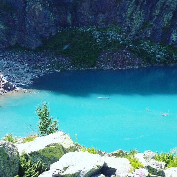 Алибекское ущелье — водопад Алибек, ледник Алибек, озеро Турье