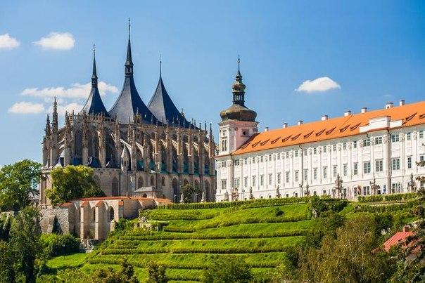 Экскурсия из Праги в Кутна гора, Костница + замок Конопиште