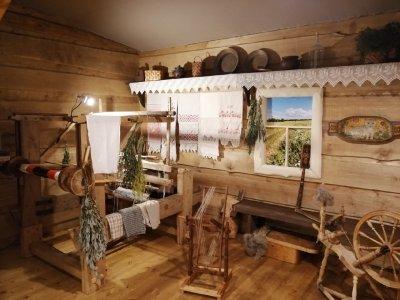 Печорский Монастырь — Музей льна и конопли — «Сказки Псковской льняной губернии»