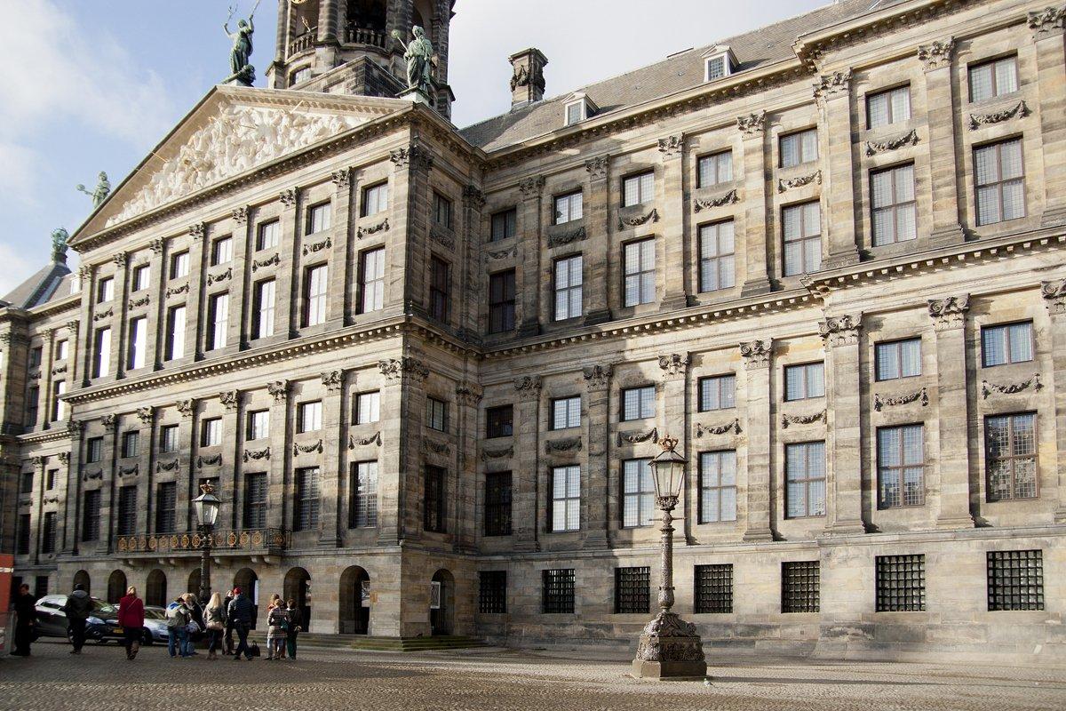 Королевский дворец на площади Дам. Авторская экскурсия