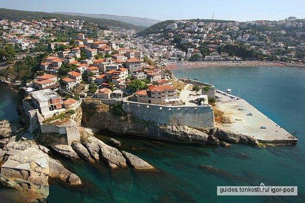 По древним городам побережья