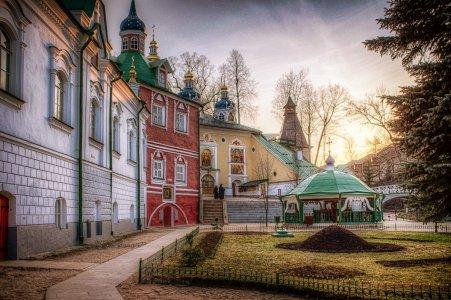 Изборская крепость и Псково-Печерский монастырь