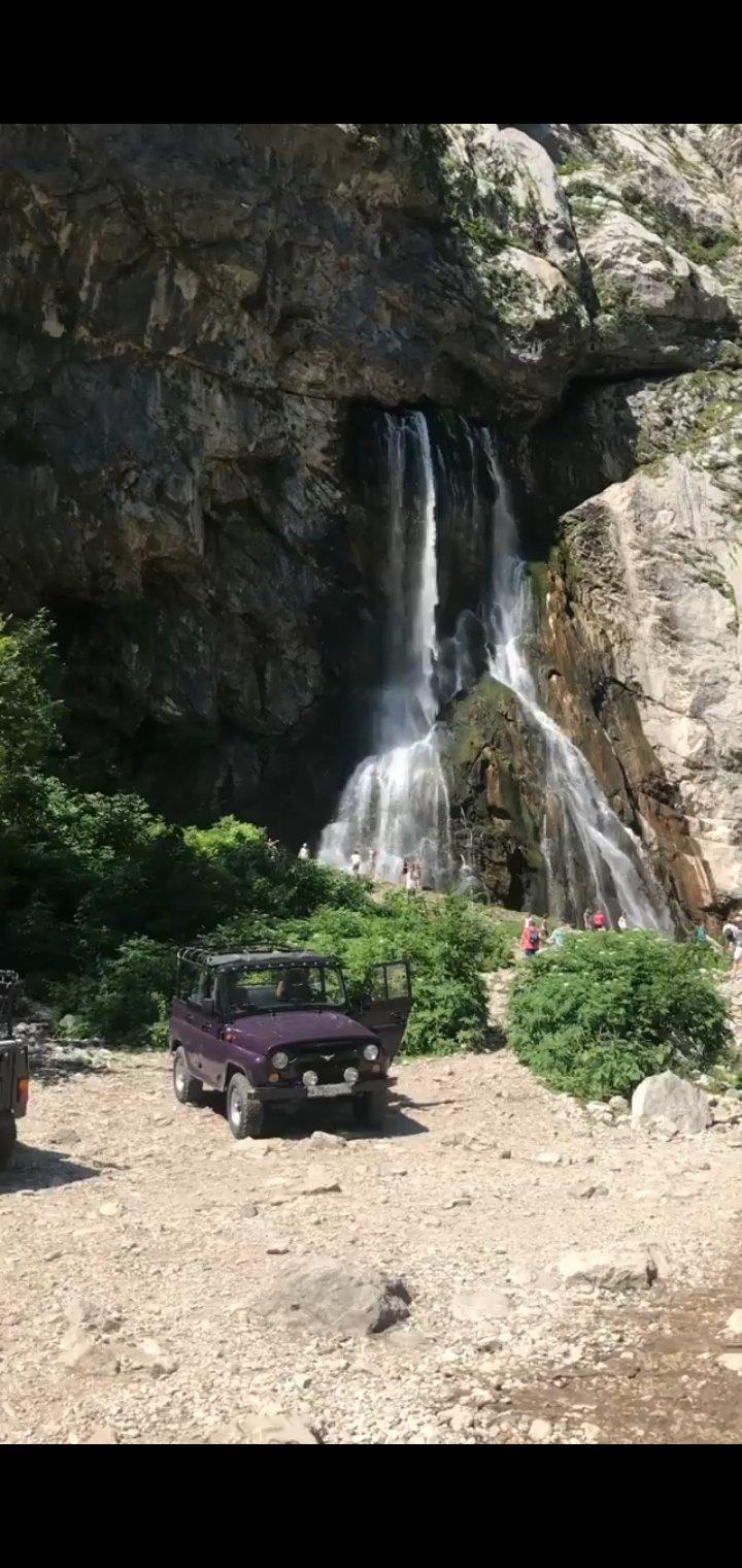 Джип-тур к Гегскому водопады и озеру Рица