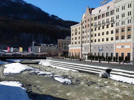 Красная Поляна — центр горнолыжного спорта и туризма