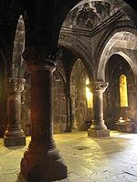 Самые посещаемые храмы Армении: Гарни и Гегард