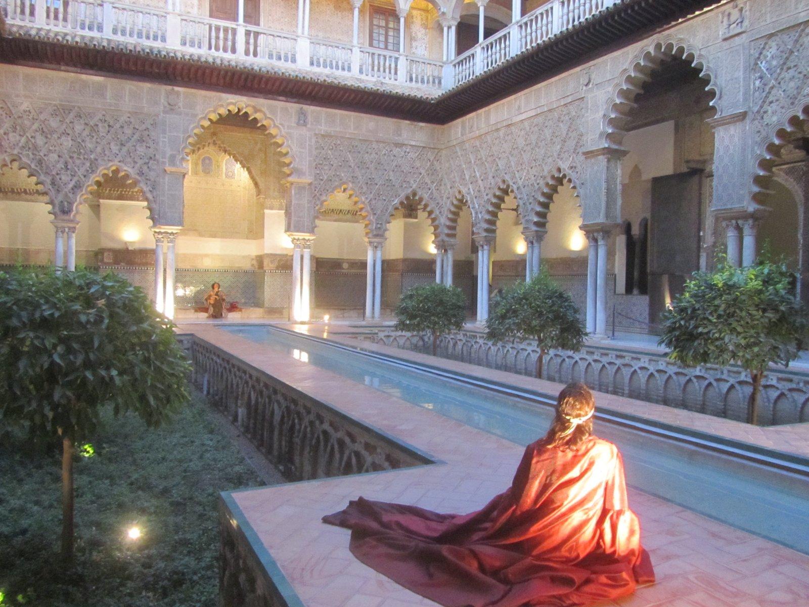 Королевский Севильский Алькасар — действующая резиденция монархов Испании