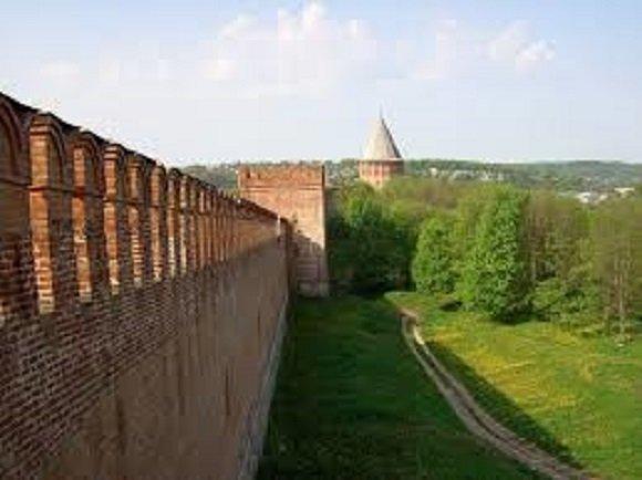 Смоленская крепость: щитом и мечом