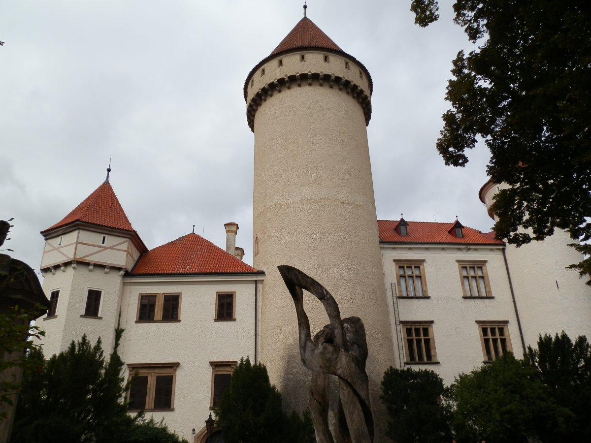 Индивидуальная экскурсия в Кутна-Гору с Костницей и замок Конопиште, готика и романтика за один день
