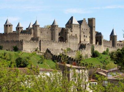 Средневековый замок Каркассон и устрицы
