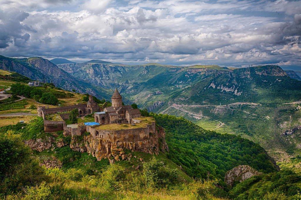 Караундж (Зорац Карер) — Татевский Монастырь
