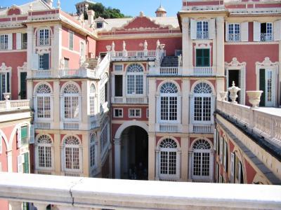 Вся Генуя — средневековая, современная и панорамная