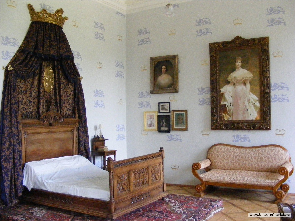 Замок Лоучень и его 11 лабиринтов