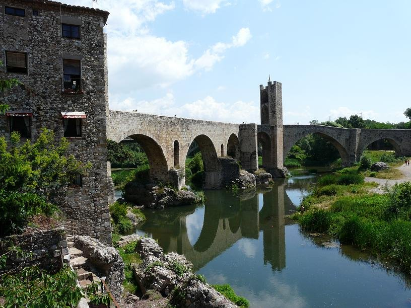 Каталонская глубинка. Городки ведьм Рупит и Бесалу