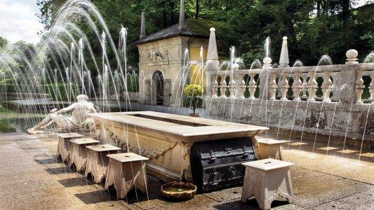 Хельбрунн и потешные фонтаны