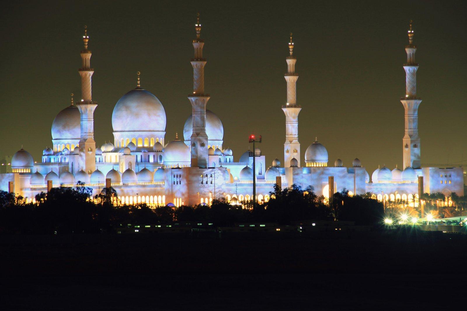 Центр исламской культуры — мечеть шейха Зайда
