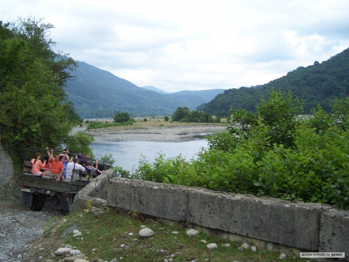 Земля шапсугов — долина реки Шахе