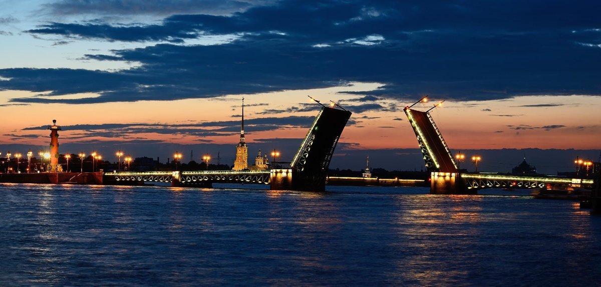 Ночная экскурсия по Санкт-Петербургу. Развод мостов