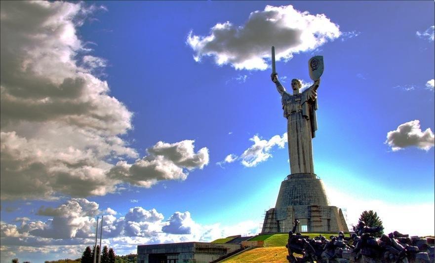 Киев — обзорная экскурсия на автомобиле с панорамной крышей