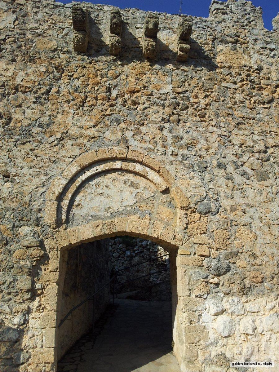 По крепостям