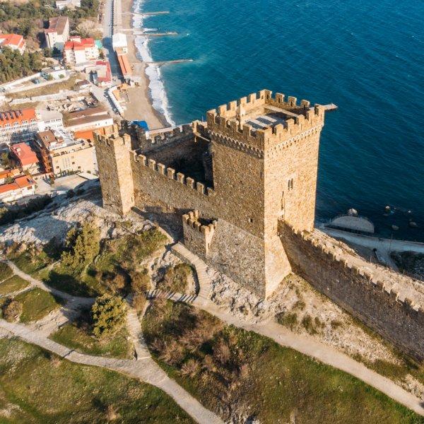 Судак: Генуэзская крепость, тропа Голицына из Ялты