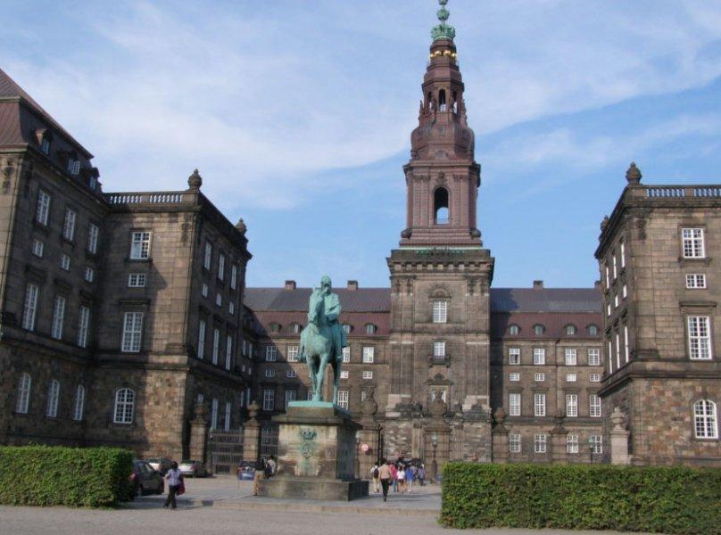 Кристиансборг — самый молодой дворец Европы