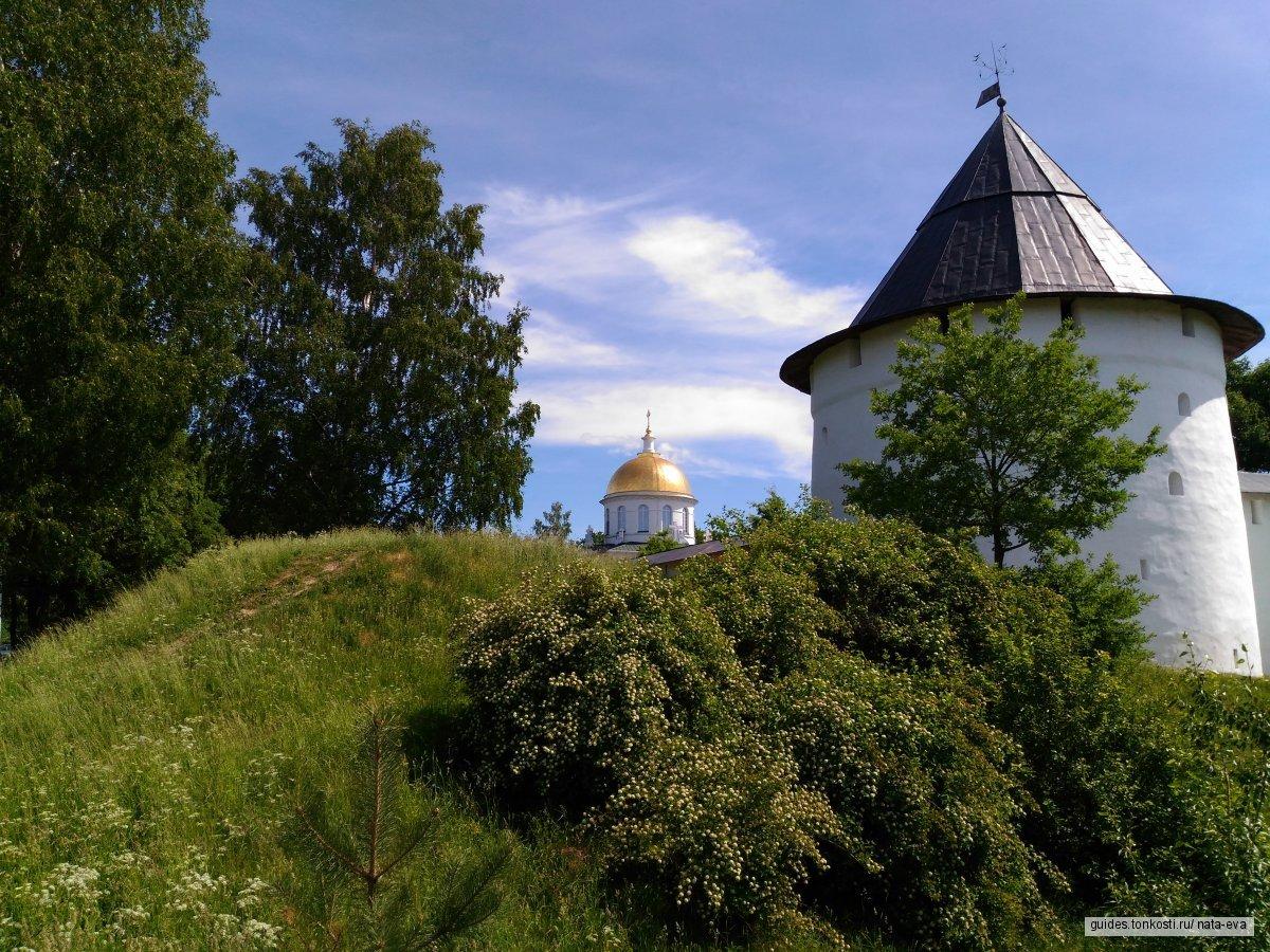 Псков — Старый Изборск — Печоры за один день