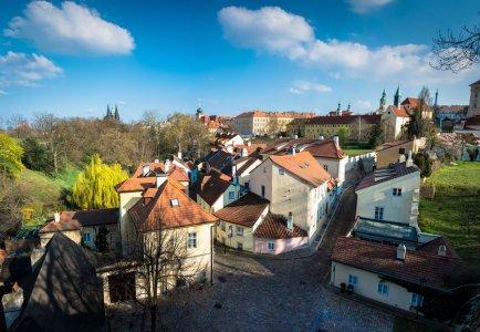 Пражский Град, Страговский монастырь и Градчаны