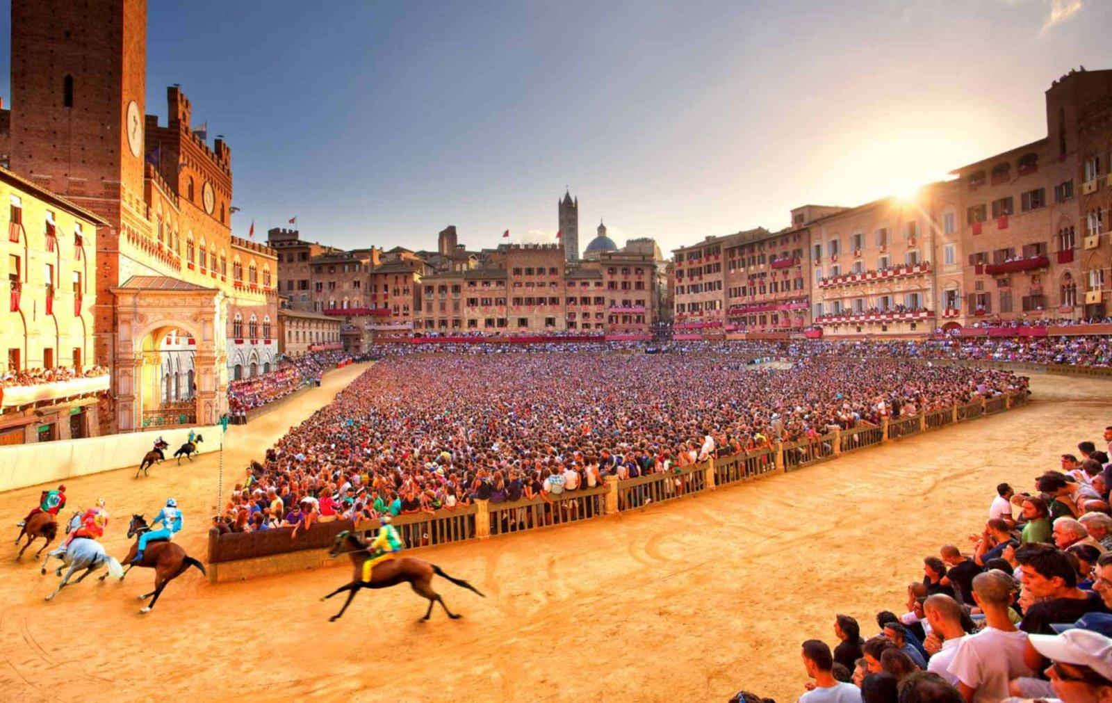 обклеиваем палубу фото средневековой площади в италии воблеры