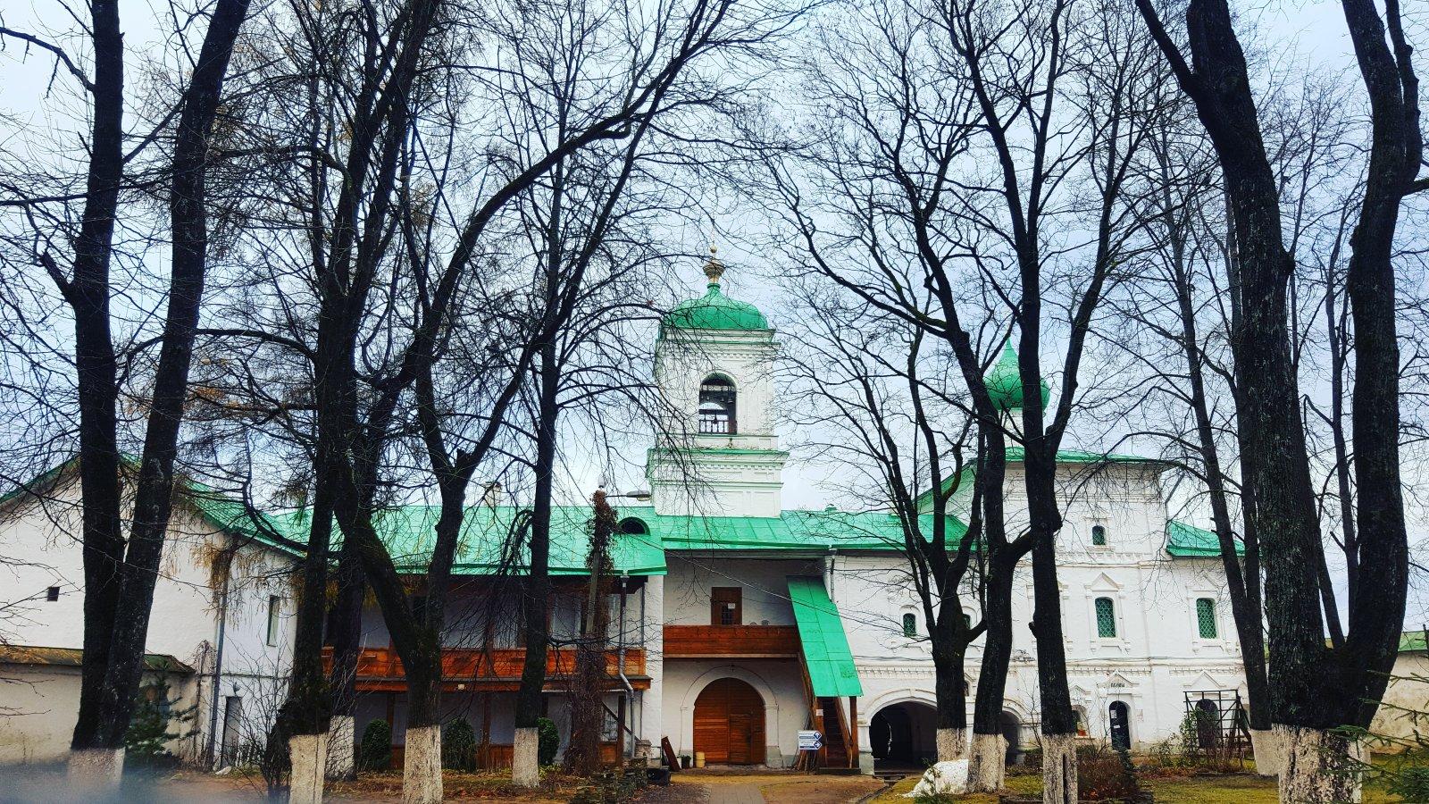Псковский монастырь
