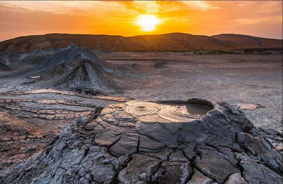 Картинки по запросу грязевые вулканы баку