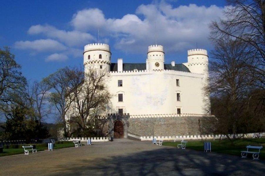 Из Праги в замок Орлик + замок Звиков