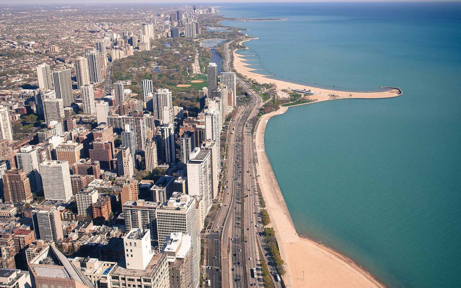 Чикаго — Старый город, Золотой берег