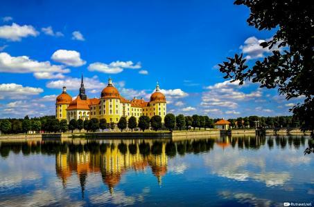 Морицбург — замок из сказки «Три орешка для Золушки»