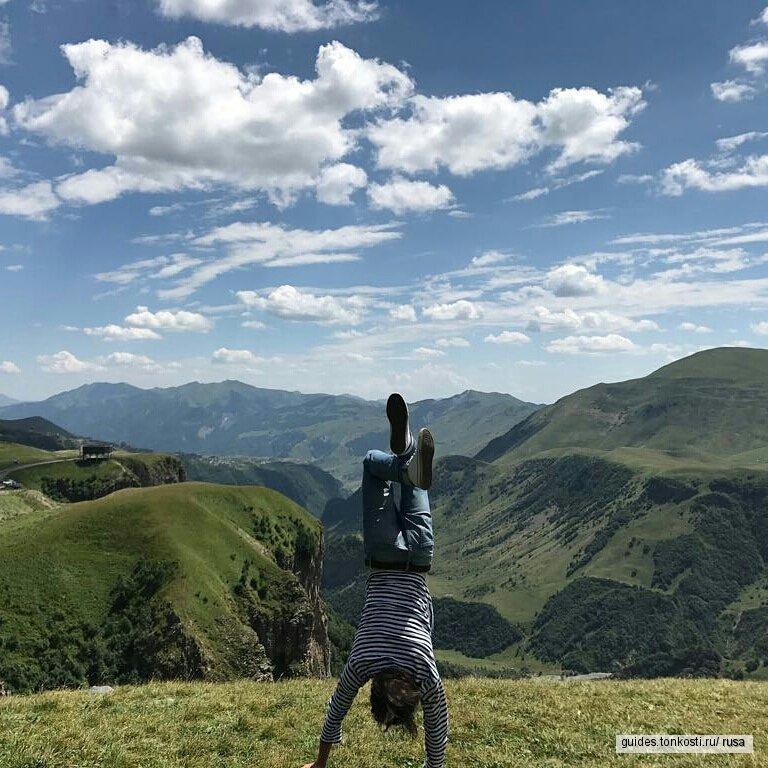 Экскурсия в Казбеги: на холмах Грузии
