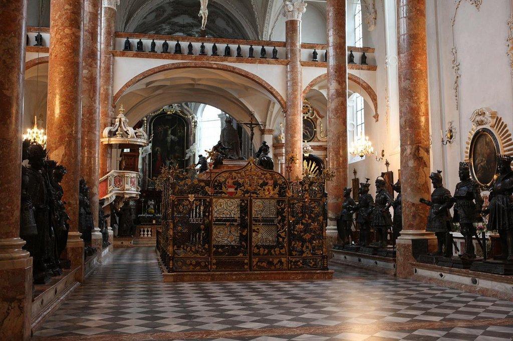 Императорская церковь и Императорский дворец