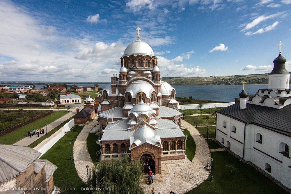 Комбинированная экскурсия в Свияжск, Раифский монастырь и Храм всех религий