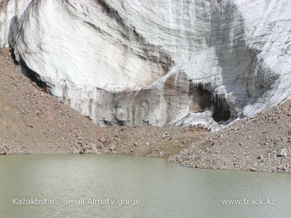 Визит к ледникам. Подъём к ледниковому озеру М. Маметовой 3550 м над у.м.
